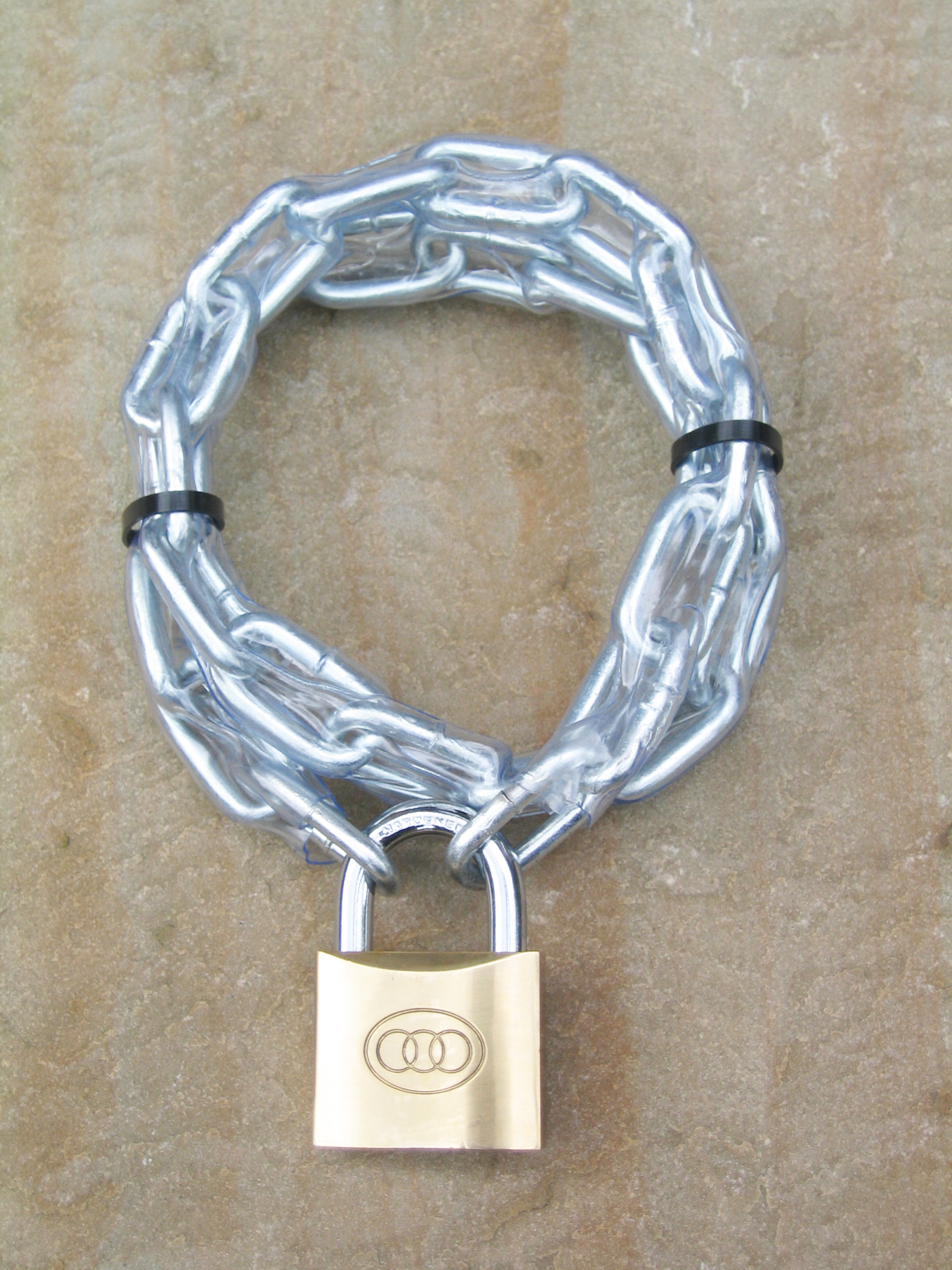 6x90mm Hardlink  Security Chain + 50mm Brass Padlock